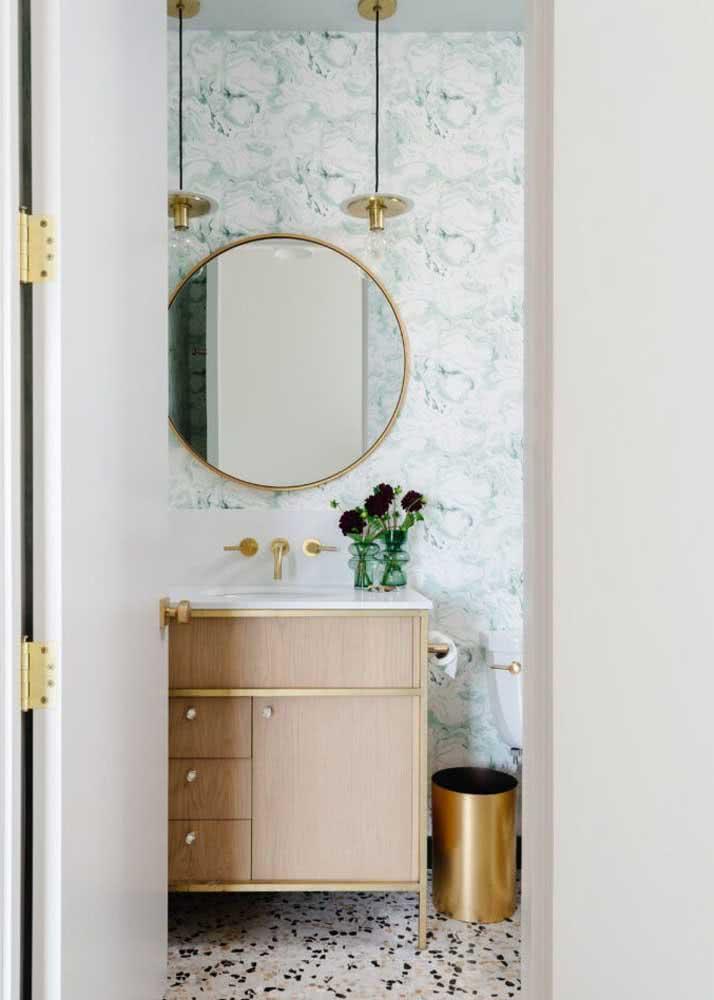 Papel de parede para um banheiro claro.