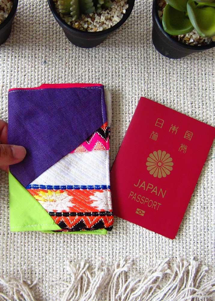 Porta passaporte em tecidos coloridos e super diferentes