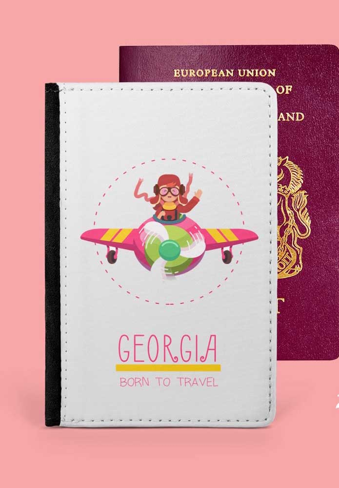 Porta passaporte personalizado com personagem; o material utilizado foi o corino