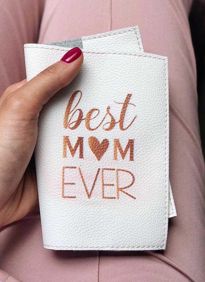 Sugestão de porta passaporte para presentear no Dia das Mães