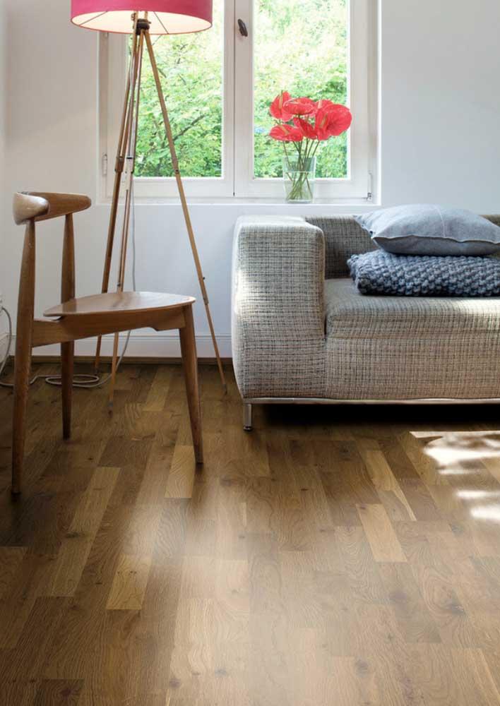 Confortável e resistente, o tweed é uma ótima opção de revestimento para sofá