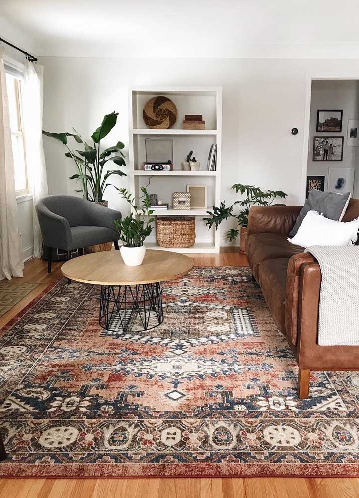 A elegância atemporal do tapete persa para a sala de estar