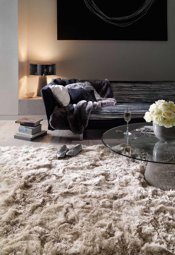 Se é confortável de olhar, imagina só pisar nesse tapete todo macio e felpudo!