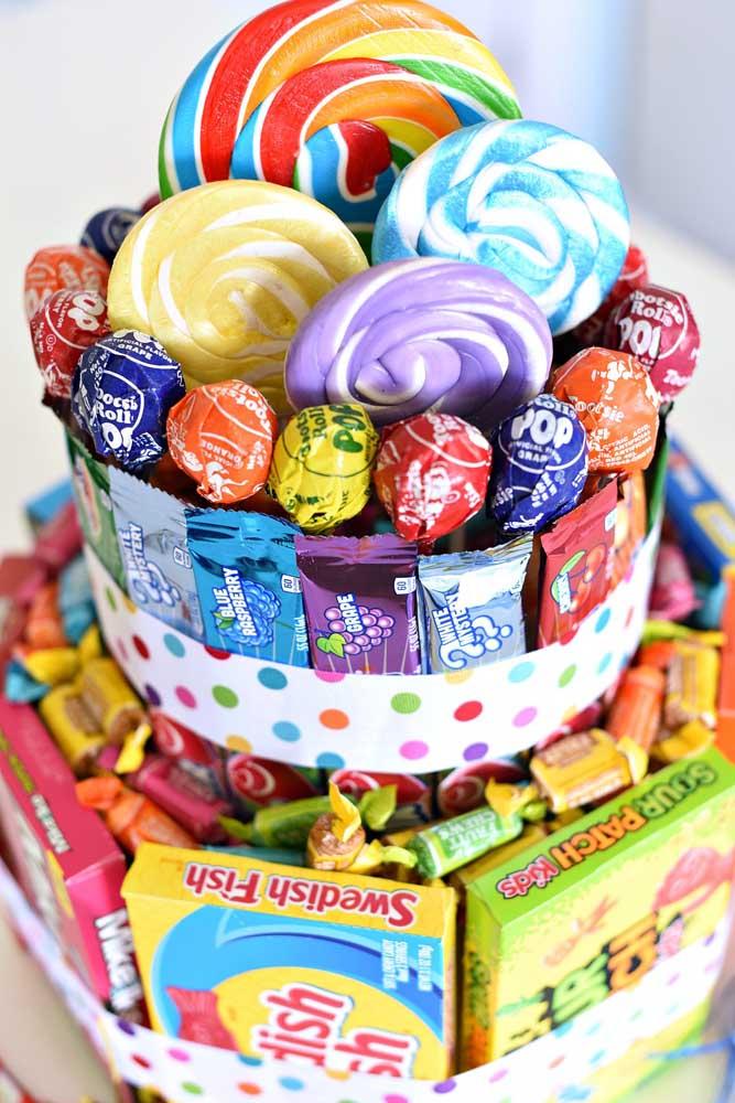 Os doces mais amados nos anos 80 decoram essa festa