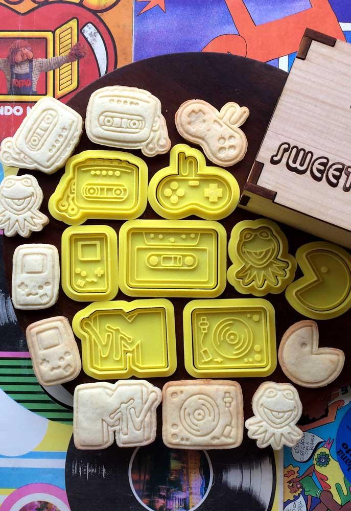 Forminhas especiais para os biscoitinhos da festa anos 80
