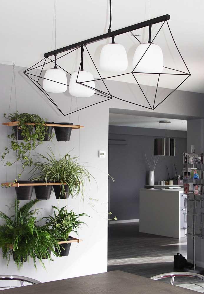 Jardins verticais são ótimas opções para arejar o ar da casa