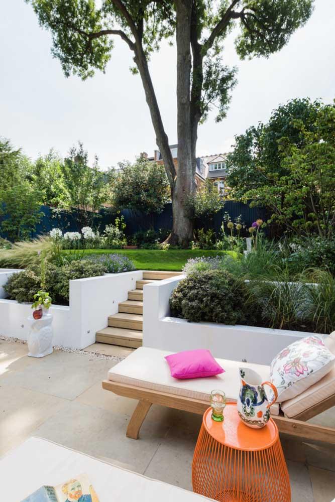 Um jardim sabe valorizar como ninguém os espaços externos