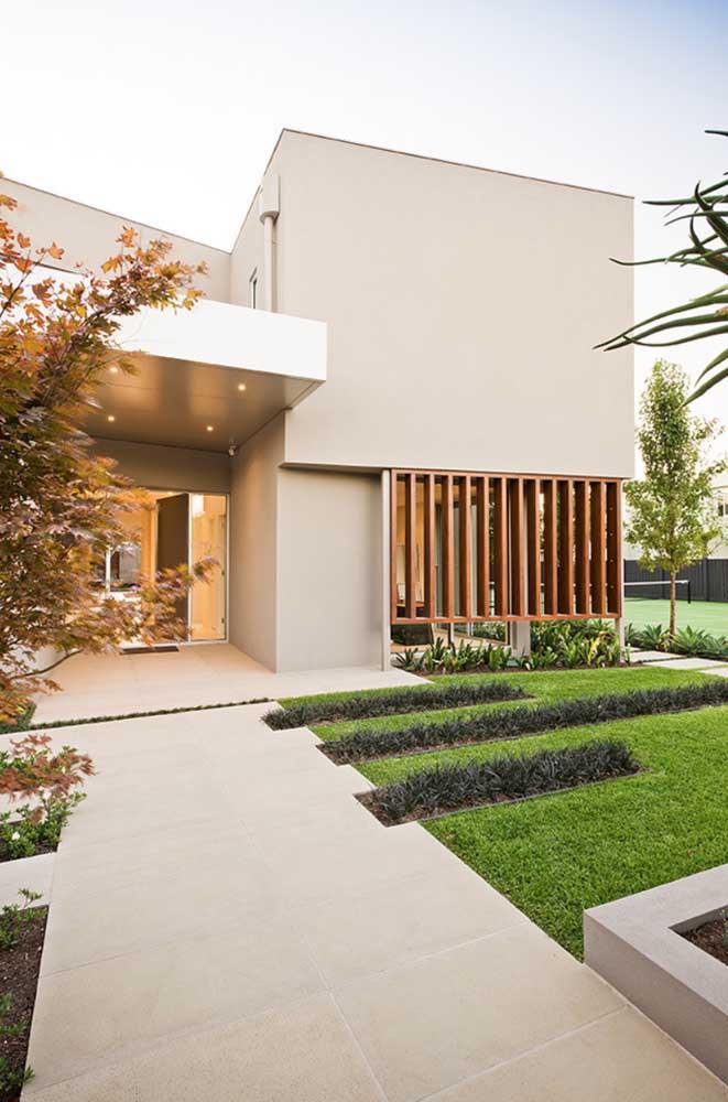 A entrada da casa costuma ser o lugar preferido para receber os jardins