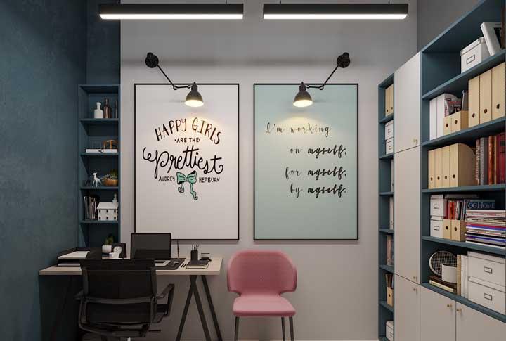 Para uma decor camuflada, pinte o nicho na mesma cor da parede