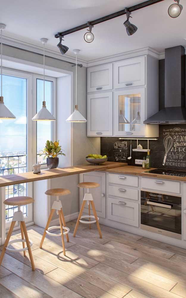 Mesa ou balcão? De parede ou de janela? Você cria a partir do que for mais funcional para sua casa