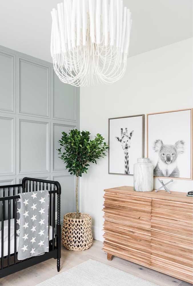 Cômoda para quarto de bebê em madeira: modelo moderno e diferenciado