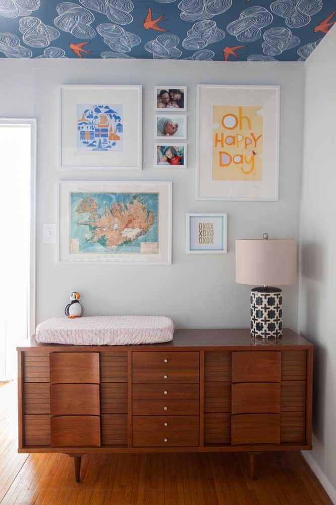Com uma cômoda igual a essa da imagem abaixo fica impossível negar a beleza e a importância do móvel