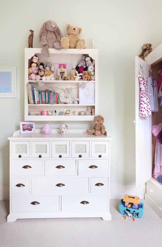 Puxadores em concha são funcionais e garantem mais segurança no quarto infantil, já que dificulta a escalada do móvel e a abertura das gavetas
