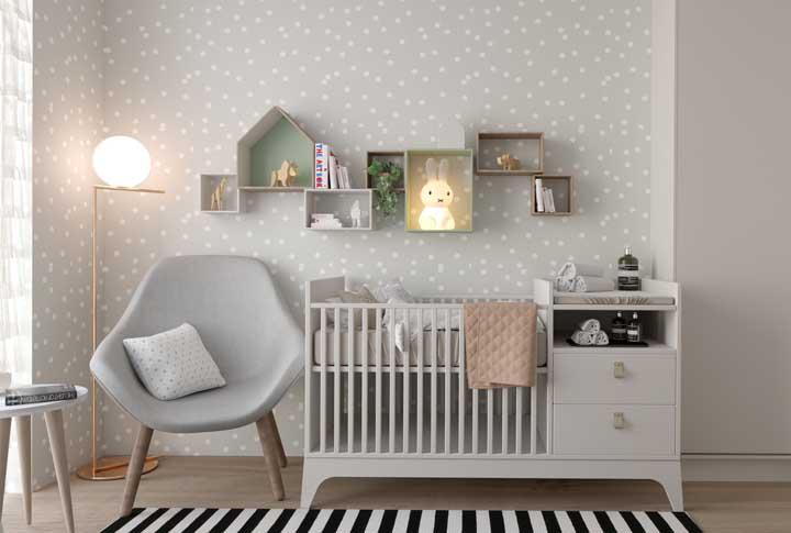 Berço com cômoda integrada: solução para quartos pequenos