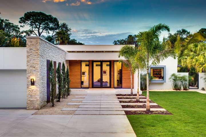 Palmeira imperial: dicas de paisagismo e como cuidar