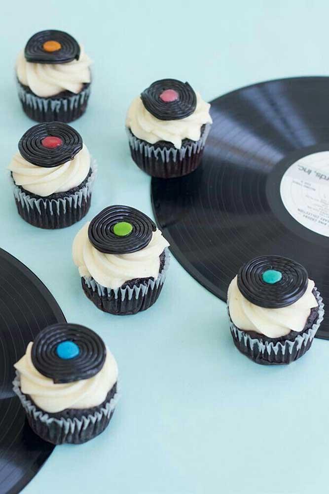 Lindos os cupkcakes com cara de vinil
