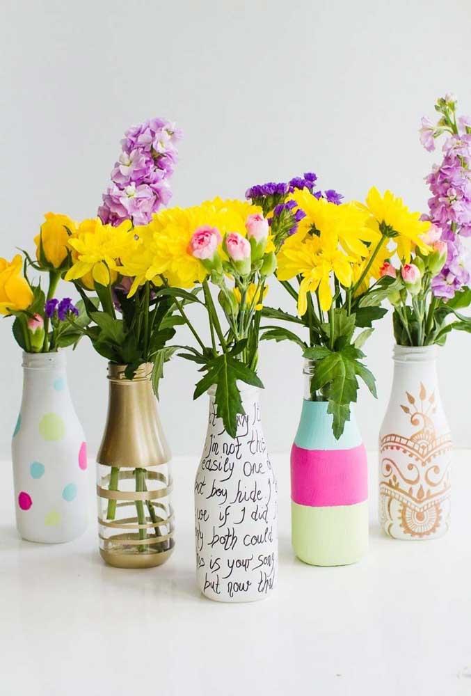 Deixe a criatividade fluir e faça garrafas em estampas e cores variadas