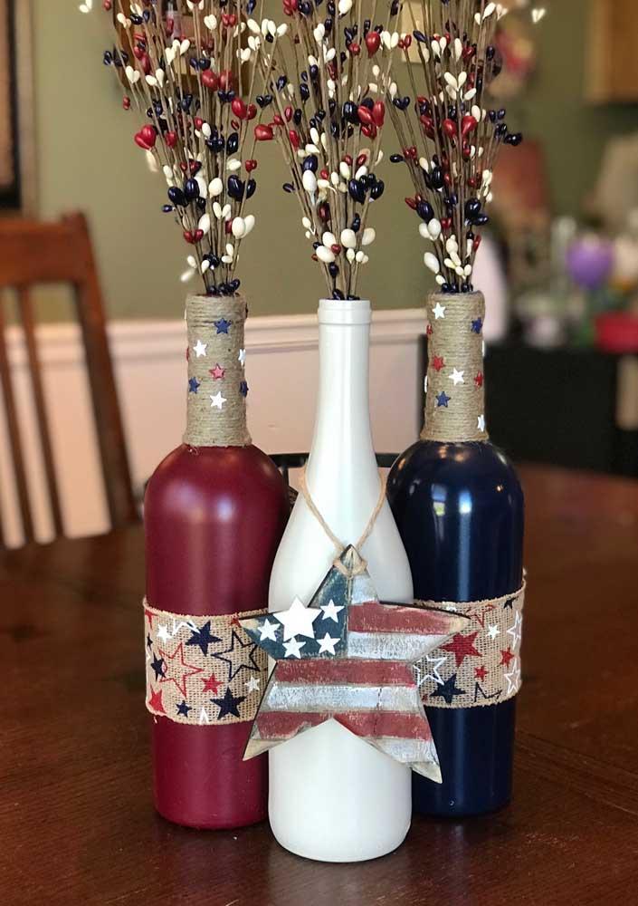 Escolha suas cores preferidas e se jogue no artesanato com garrafas decoradas