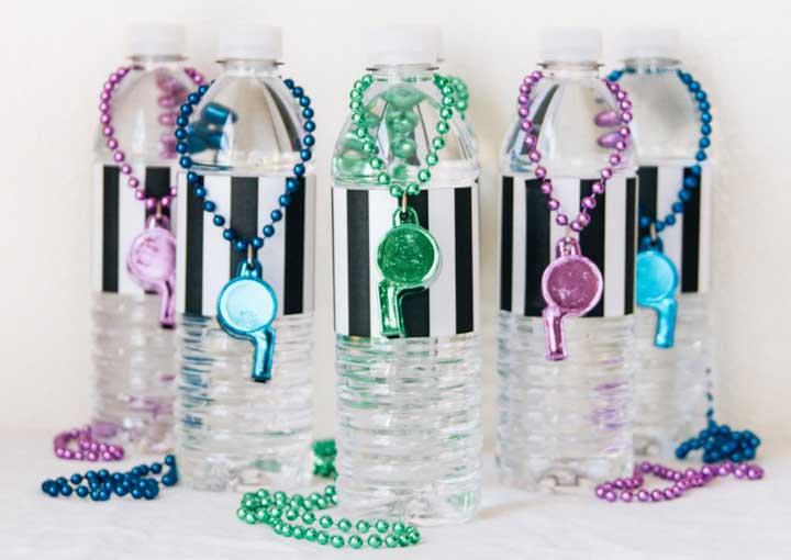 Garrafinhas de água decoradas: ótima opção para lembrancinhas de aniversário