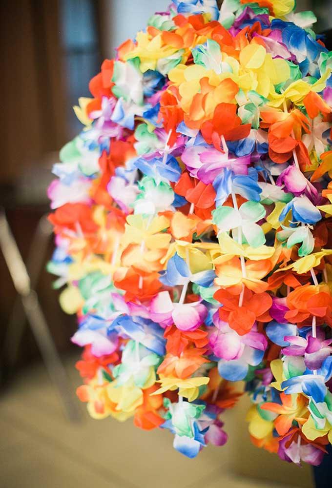 Flores coloridas para deixar a festa mais animada