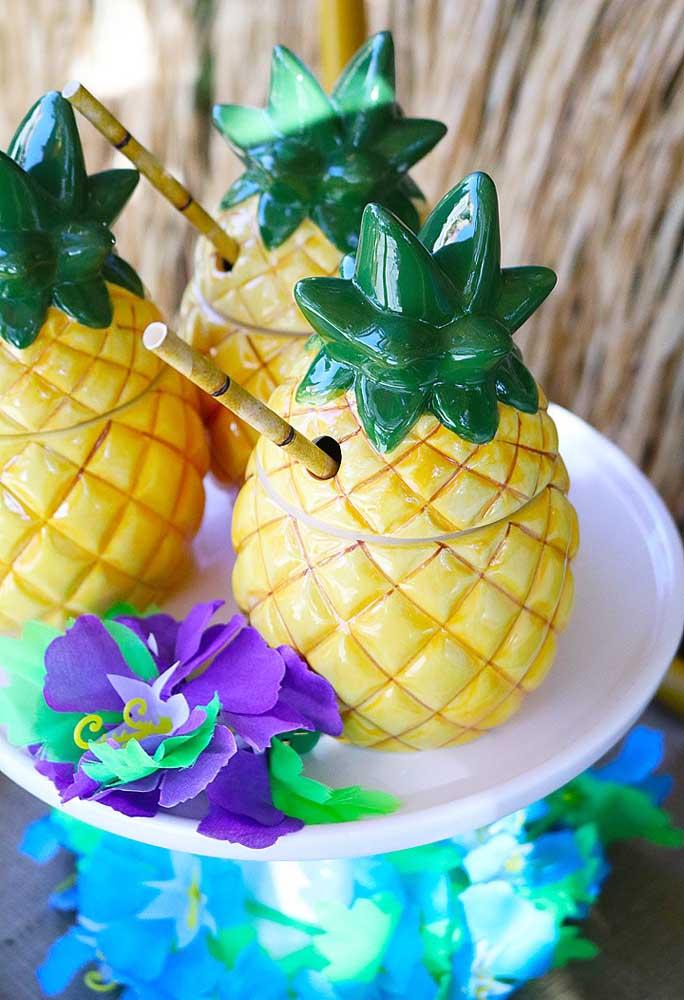 Se não tiver coco, use o abacaxi artificial