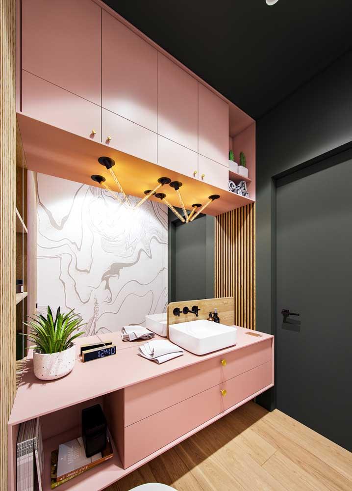 Moderna e muito recorrente nos projetos atuais, a combinação entre verde e rosa é sempre incrível