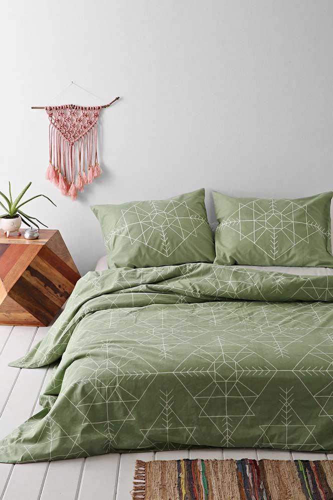 Inspiração de decoração boho com uso do verde musgo
