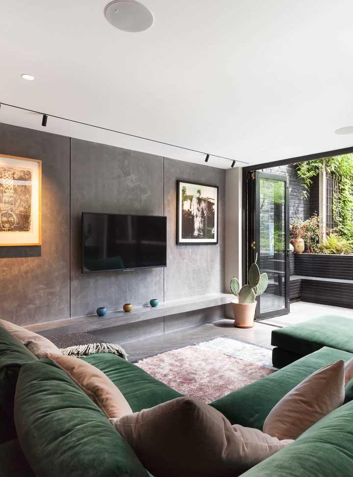 Sofá verde musgo na sala cinza: uma proposta moderna e estilosa para sala de estar