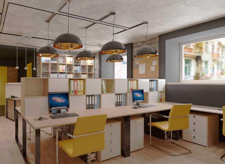 Mais um escritório perfeito para uma equipe criativa, com cores e peças funcionais