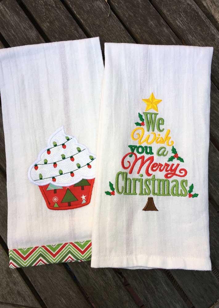 Panos de prato bordados com o tema natal: ótima opção para vender e presentear