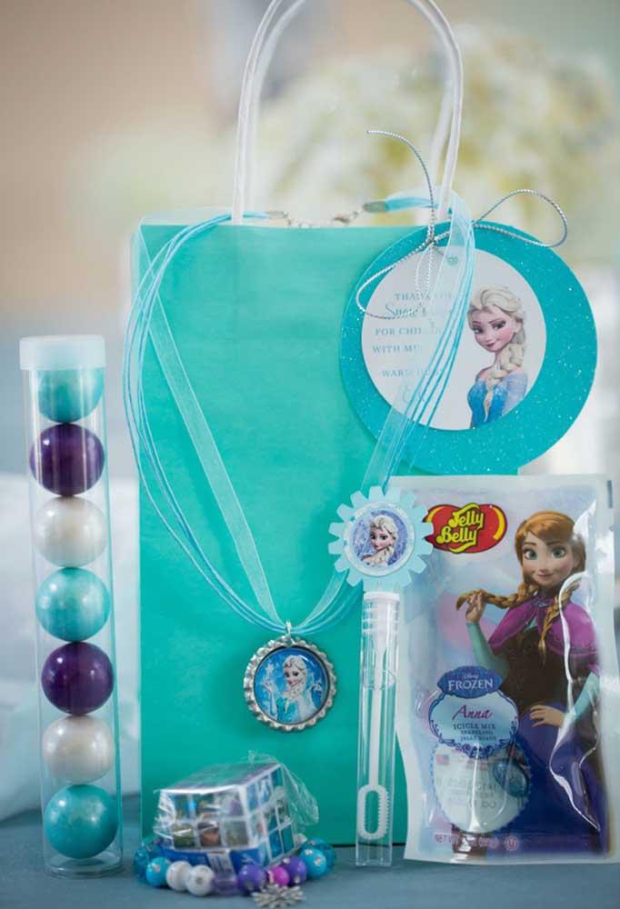 Ideias não faltam na hora de pensar em lembrancinhas de aniversário, principalmente, com o tema Frozen.