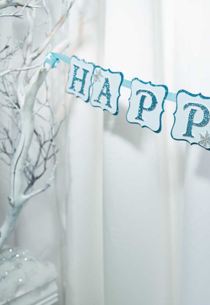 A cor branca pode ser usada como o tom principal da festa.