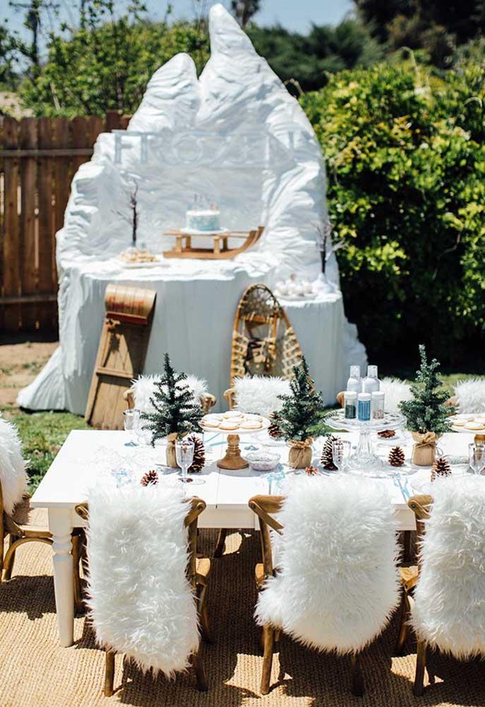Olha que decoração diferente, inusitada e surpreendente com o tema Frozen.