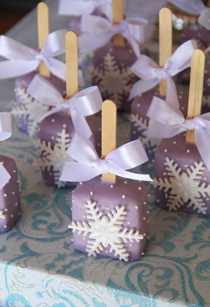 Dá até pena de comer um doce personalizado como esse!