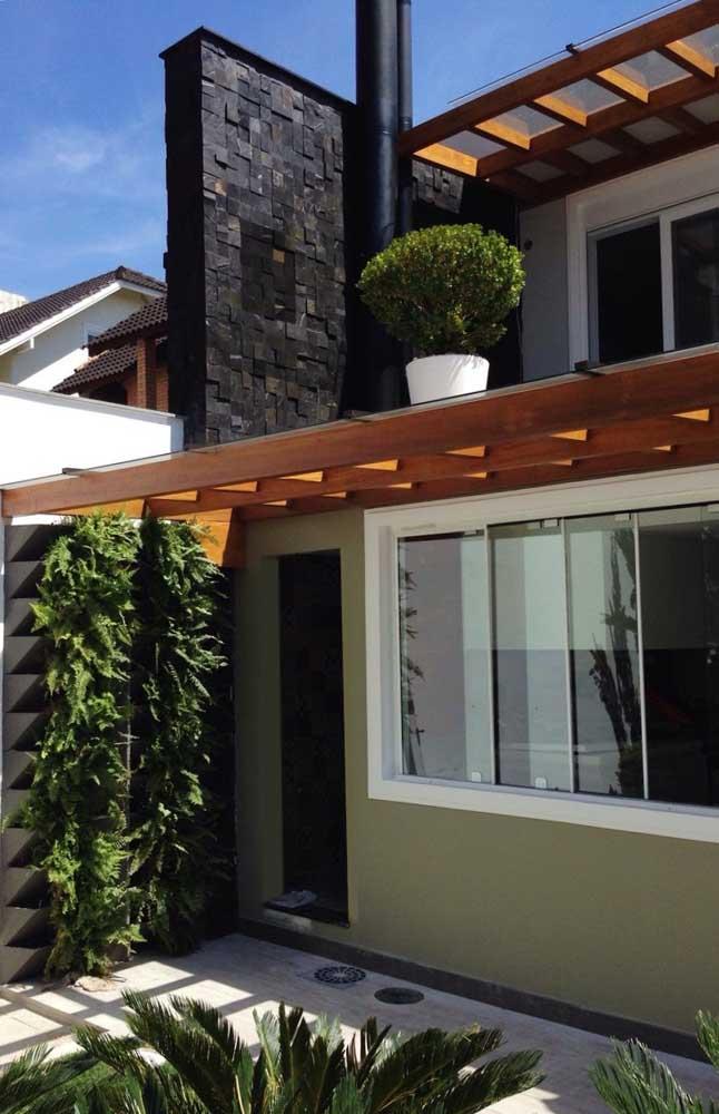 Pedra ferro na cor preta para a fachada da casa: uma opção mais moderna e industrial do revestimento