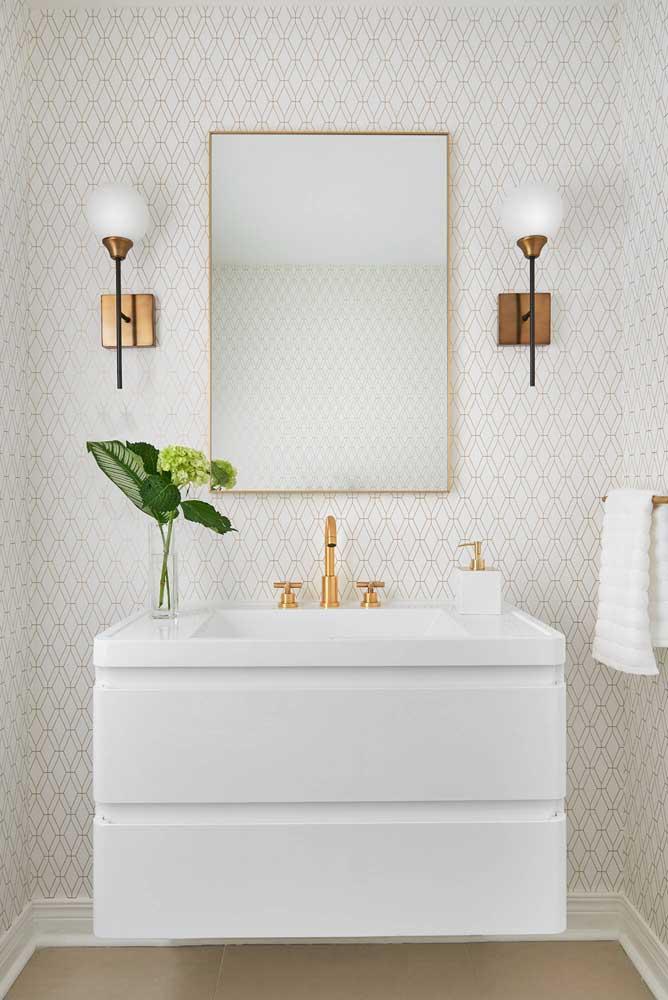 Toda a elegância do papel de parede branco para lavabo