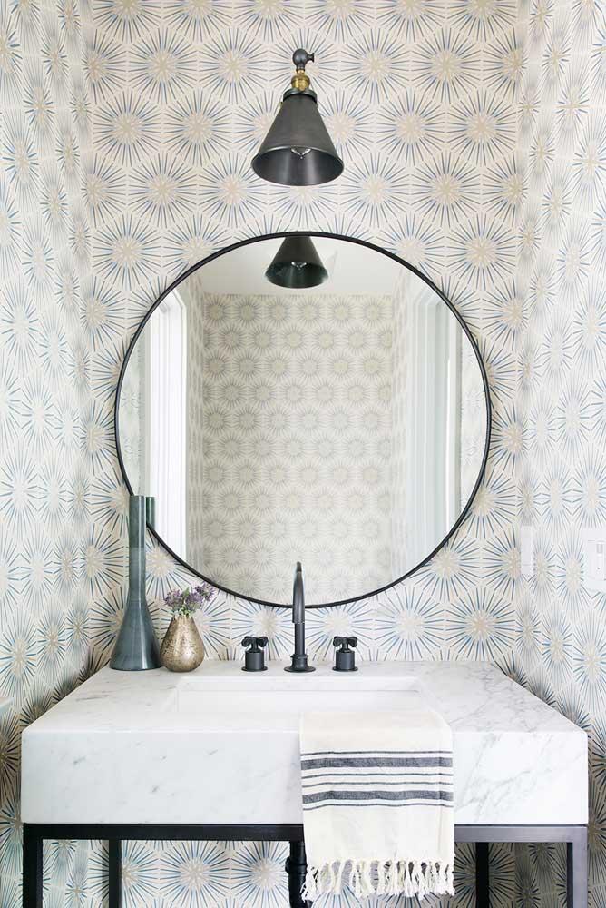 Decoração clean e elegante para o lavabo com papel de parede