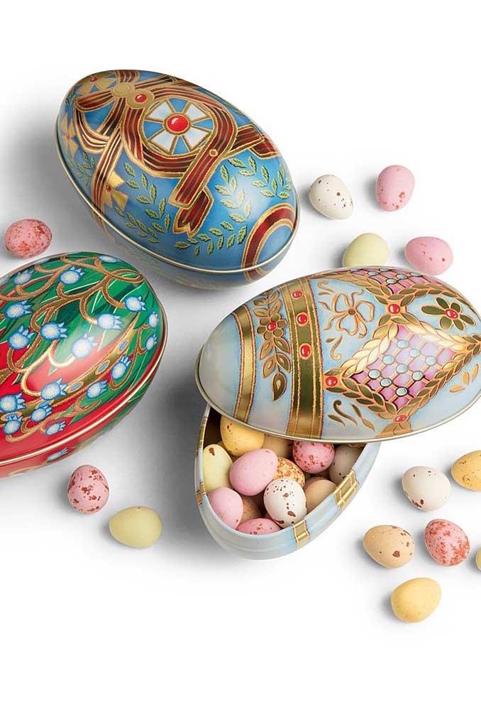 Essa ideia é maravilhosa: os mini Ovos de Páscoa vieram em lindas latas decoradas