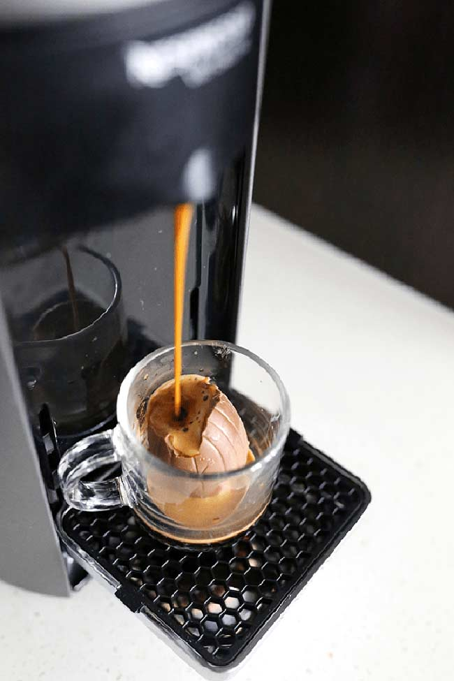 Que tal rechear o ovo de páscoa com cappuccino de máquina?