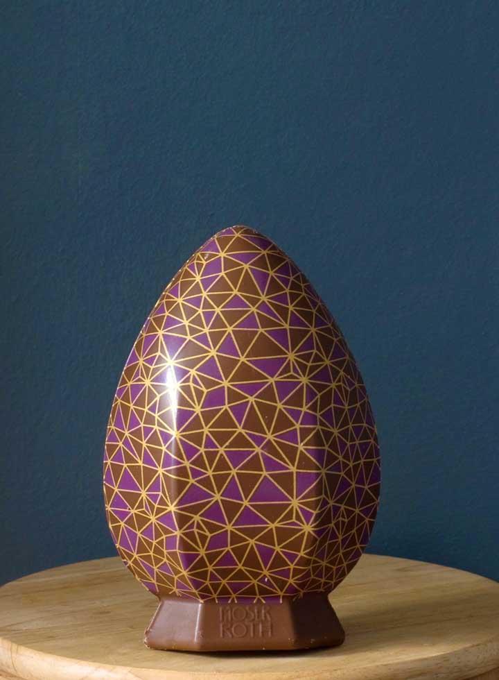 Ovo de Páscoa estampado, trazendo beleza e brilho ao chocolate