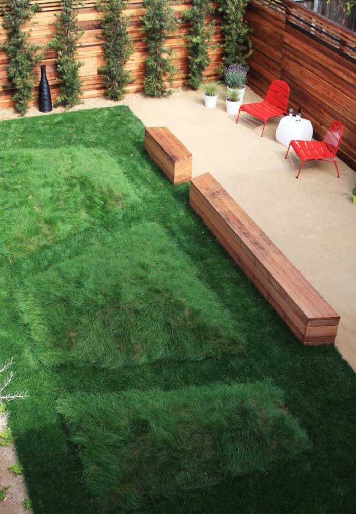 Parece um tapete felpudo, mas é só o visual da grama coreana embelezando o jardim