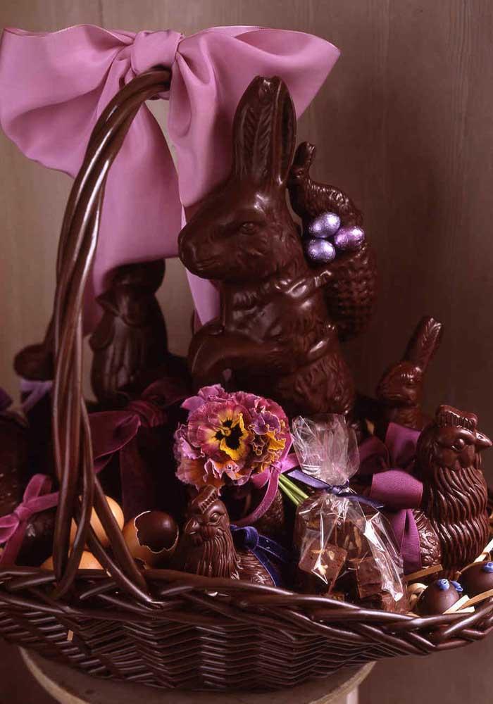 Cesta de Páscoa todinha feita de chocolate, literalmente