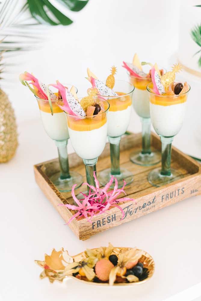 Drinque de pitaya: exótico e colorido, ideal para uma festa luau
