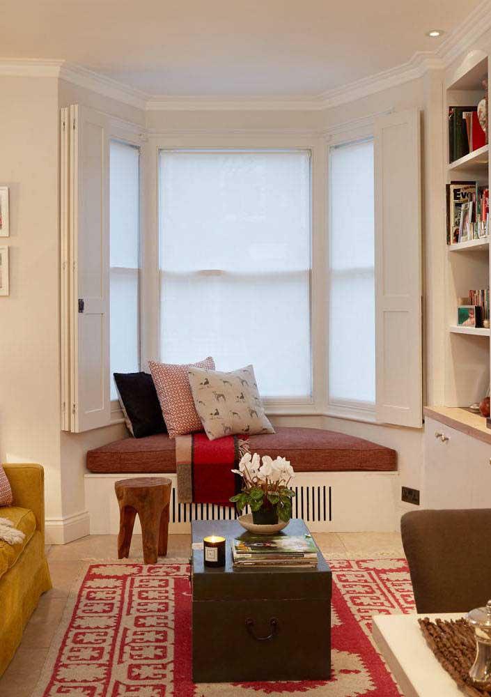 Bay Window com duas opções de controle de luz: pela persiana e pela veneziana