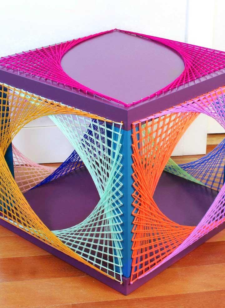 Modelo de String Art contemporânea e colorida para ser usada onde quiser