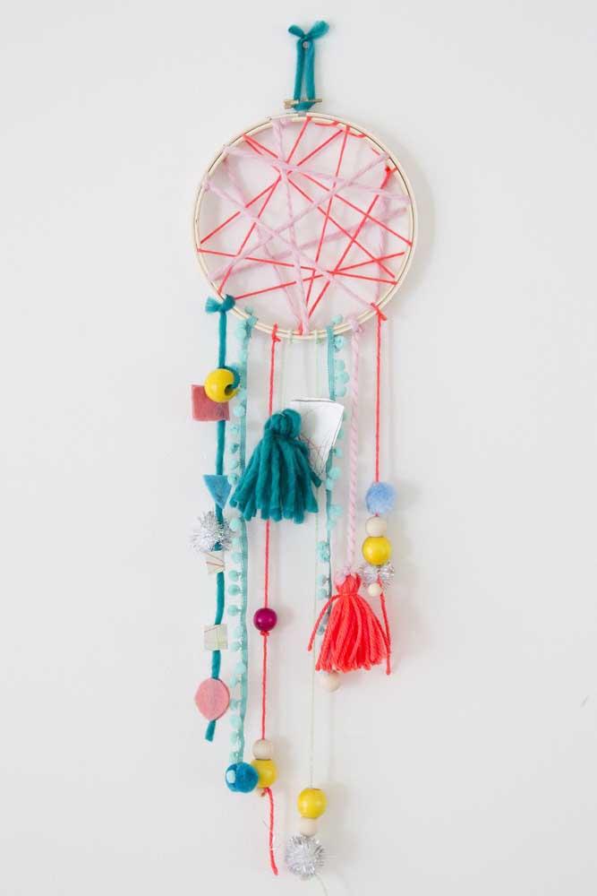 Filtro dos sonhos com centro feito de String Art