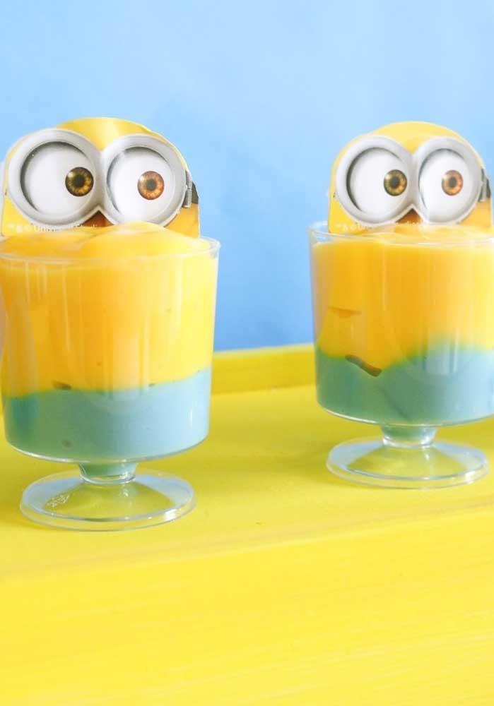 Capriche na sobremesa da festa usando as cores do tema para apresentá-los. As crianças vão adorar!