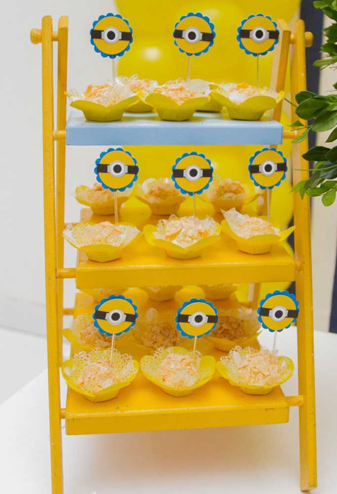 Mas não deixe de pensar nos pequenos detalhes como a decoração dos doces que serão servidos.
