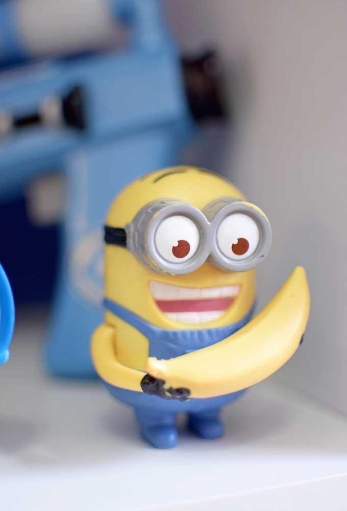 É impossível não lembrar dos Minions com as bananas. Portanto, use bastante elementos decorativos com esse tema.
