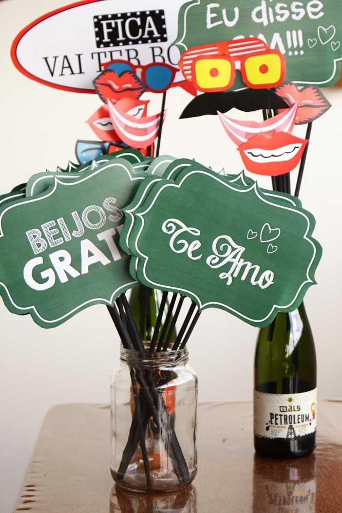Plaquinhas de casamento divertidas para a festa em estilo lousa